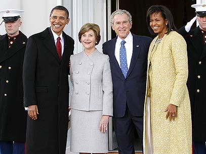 Casais posaram para os fotógrafos em frente à Casa Branca, em Washington. Foto: AP