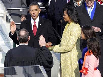 Presidente dos Estados Unidos toma posse sob olhar da mulher, Michelle, e das filhas. Foto: AP